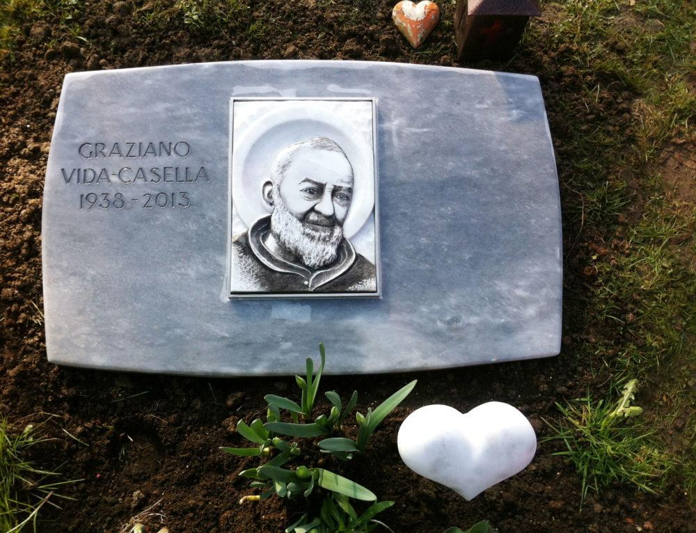 Padre Pio in Marmor